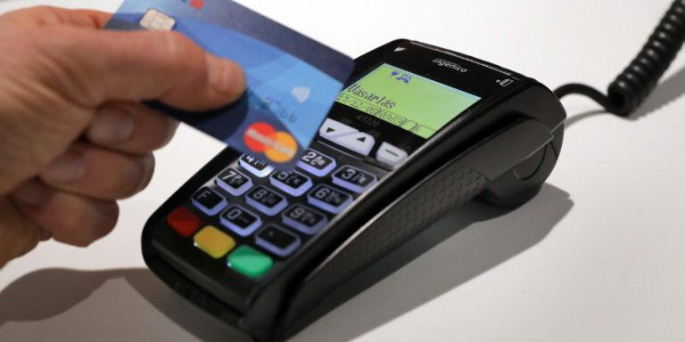MasterCard-OFOTÉRT esemény, részletfizetés Fotó: Kallus György bankkártya terminál, bankkártyás fizetés